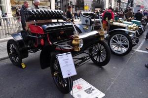 1904 Oldsmobile. 1 cylinder, 7hp. Note the boat like tiller instead of a steering wheel!
